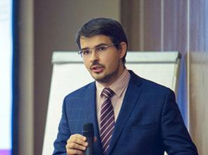 Максим ПЕТРОНЕВИЧ, ГАЗПРОМБАНК