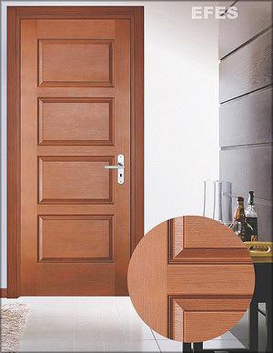 Дверная накладка (производитель – компания Kastamonu) с глубоким рельефом и согласованным рисунком филенок