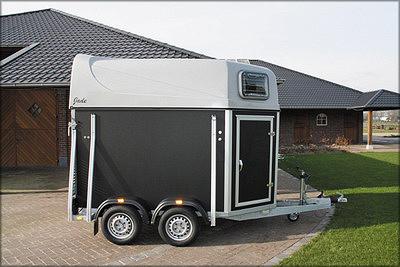 Трейлер производства XXTrail JadePlywood для перевозки лошадей,2011 года выпуска (Нидерланды)