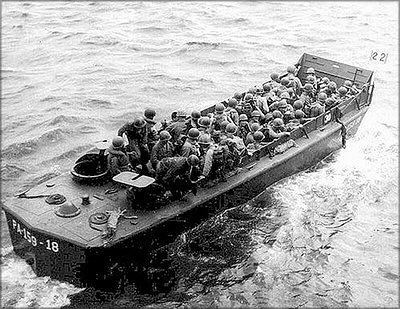 Десантный катер LCPV фирмы Higgins Boat, построенный из фанеры. США, 1943–1945 годы