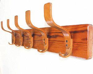 Изделия из фанеры – вешалка Бруно Пауля. Германия, 1930 год