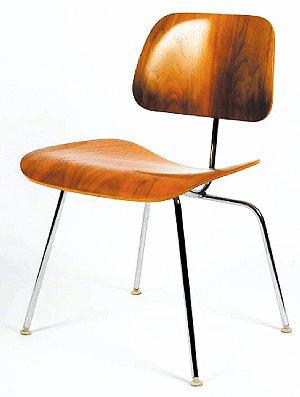 Изделия из фанеры – знаменитый стул Рэя Эймса.США, 1950 год