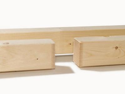 Рис. 3. Конструкционные брусья и доски KVH получают путем калибровки и сращивания пиломатериалов на длину до 13,5 м