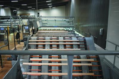 Планомерная модернизация. Линия сортировки сырых пиломатериалов. Лесопильный завод Вилппула, Финляндия