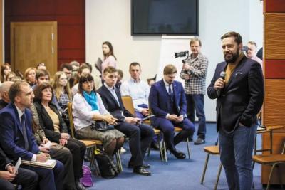 Выступает Дмитрий Егорченков