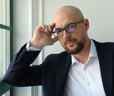 Владимир Ефремов, эксперт по продажам, владелец школы «Мастер продаж», управляющий партнер консалтинговой группы «Ладомиръ»