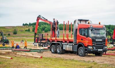 Scania G500B6x6HZ с надстройкой V-Forest и гидроманипулятором Epsilon M100L97