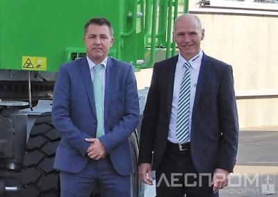 Региональный директор по продажам Александр Аумюллер и управляющий директор Sennebogen Эрих Зеннебоген