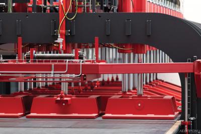 TimberPress X 236 HS с двухмерной системой уплотнения и прессования