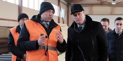 Губернатор Кировской области Игорь Васильев на заводе Holz House