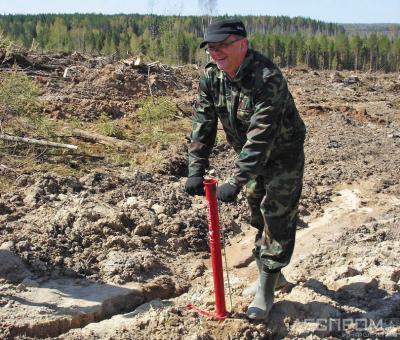 В лесопосадках участвовал Андрей Самоделкин, на тот момент – министр промышленности Коми