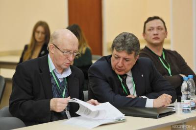 Валерий Демин (д. х. н., зав. кафедрой химической технологии и техносферной безопасности Сыктывкарского лесного института) и Олег Абрамов