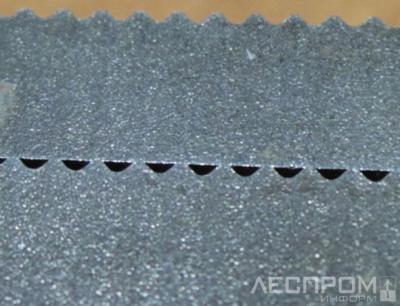 Рис. 10. Торцевая (базовая) поверхность ножа, изготовленного методом электроэрозии