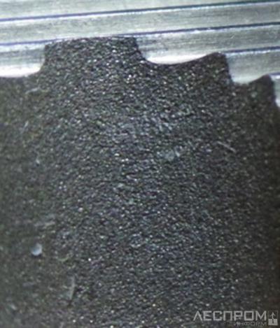 Рис. 3. Задняя поверхность ножа, изготовленного методом электроэрозионной резки
