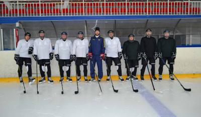 Хоккейная команда сотрудников «Запсиблеспроект»