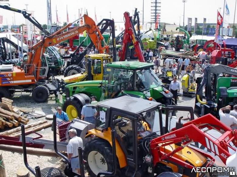 Трактора и другая лесозаготовительная техника