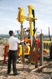 Навесной агрегат для изготовления и забивания деревянных кольев