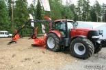 Трактор Case с гидроманипулятором и рубительным агрегатом