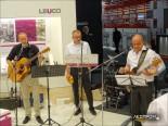 Сотрудники компании Leuco играют рок
