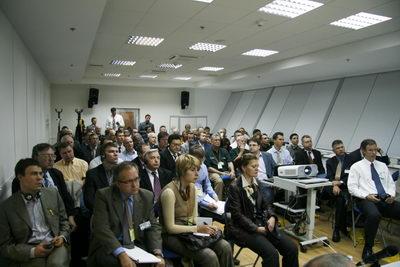 Аудитория круглого стола по OSB-плитам