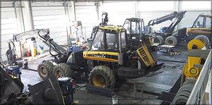 Оборудованная по самому последнему слову техники ремонтная зона рассчитана на проведение сервисных и ремонтных работ любой сложности.