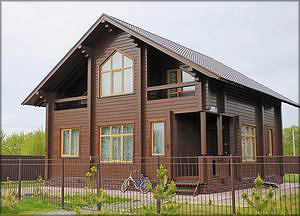 Экологичные дома из клееного бруса от ЛХК «Алтайлес» могут стать таким же брендом региона, как мед и сыр