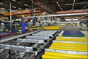 Производственный участок форматирования и кромкооблицовки Easy Order AZ на заводе Stefani (SCM Group) в г.Тьене