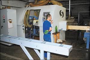 Шести-шпиндельный четырех-сторонний стогальный станок Universal-700 для профилирования бруса