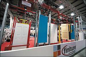 Транспортер Finiture для перемещения заготовок дверей и оконных рам