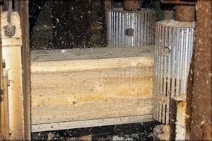 Обработка осуществляется при скорости подачи до 75 м/мин.