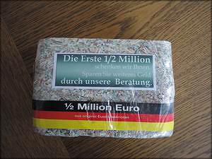 В Европе топливные брикеты изготавливают даже из выведенных из обращения денежных купюр