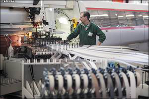 Индустриальный кромкооблицовочный станок IMA с магазином на 98 кромок и скоростью работы до 30 м/мин