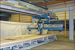 Рис. 3. Функциональный мост LISSMAC с фрезерным агрегатом и аппаратом сшивания скобами