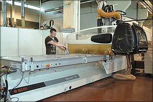 Обрабатывающий фрезерно-сверлильный центр Morbidelli – RECORD 130 (SCM Group)