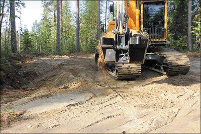 Рис. 23. Промежуточные места разворота проектируют как многофункциональные сооружения, предназначенные также для стоянки техники и хранения лесоматериалов
