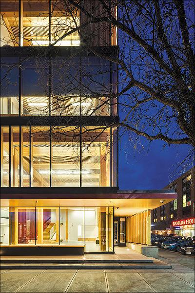 Wood Innovation And Design Centre - Центр деревянного дизайна и инноваций (Ванкувер, Канада)
