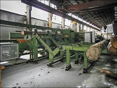 Накопитель бревен и гидравлическая подача бревен на брусовальный станок UDKTY/4 на ООО «ПАРСА»
