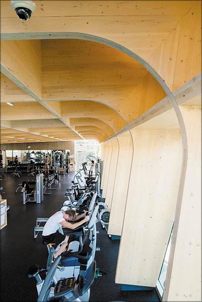 Рис. 20. Конструкции фитнес- центра UBCO изготовлены из панелей CLT, но выглядят как гнутоклееные