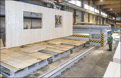 Рис. 22. Стеновая панель из CLT, изготовленная на обрабатывающем центре Uniteam
