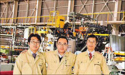 На фото (слева направо): Токи Ишихара, менеджер Hashimoto Denki, ответственный за российский рынок; Юничиро Хашимото, президент компании Hashimoto Denki; Нобоюки Хашимото, директор Hashimoto Denki