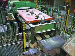 Рис. 12. Автоматизированный участок обрезки на базе оборудования фирм Paribas и Catech (теперь марки принадлежат компании Söderhamn Eriksson) на лесопильном заводе в Швеции