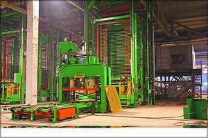 Рис. 17. Общий вид и схема 40-этажного пресса Spar-Tek Industries Inc.