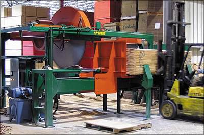 Рис. 6. Пила производства Sweed Machinery Inc. для получения полуформатного поперечного шпона