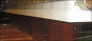 Рис. 16. Клеенаносящая головка и схема рециркуляции клея линии нанесения клея во вспененном состоянии способом экструзии фирмы Spar-Tek Inc.