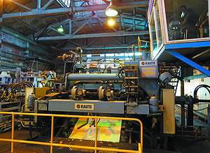 Новейшая линия лущения 4/5-футового шпона, произведенная Raute в 2005 году, была усовершенствована в 2012-м и оснащена системой автокалибровки