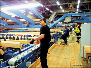 Рис. 5. Браковщик линии сортировки сырых досок на заводе SwedWood Karelia