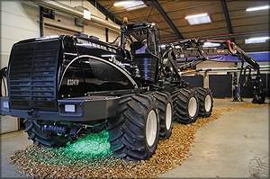 На основе разработок датской компании Silvatec концерн «Тракторные заводы» ведет НИОКР по разработке и созданию колесных лесозаготовительных машин