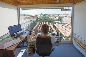 Вид из кабины оператора линии сортировки (Hekotek)