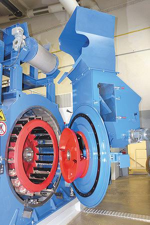 Стружечный станок MRZ с установленным распределительным ротором