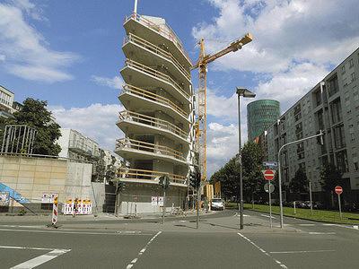 Рис. 11. Здание Aktiv-Stadthaus до монтажа фасадных панелей